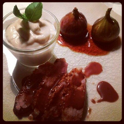 Lakridsglaseret and med figner, rødvinssauce og jordskokpuré